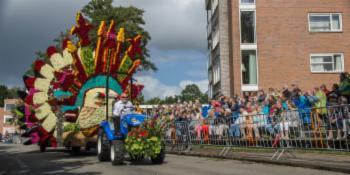 New Holland voor Praalwagens bloemencorso
